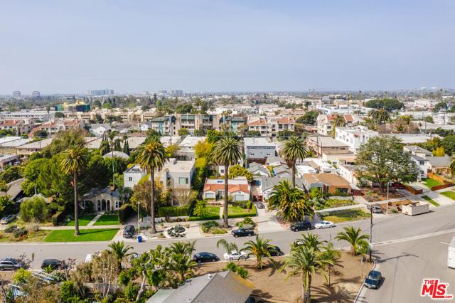 3875 Marcasel Ave, Los Angeles, CA 90066 photo 35