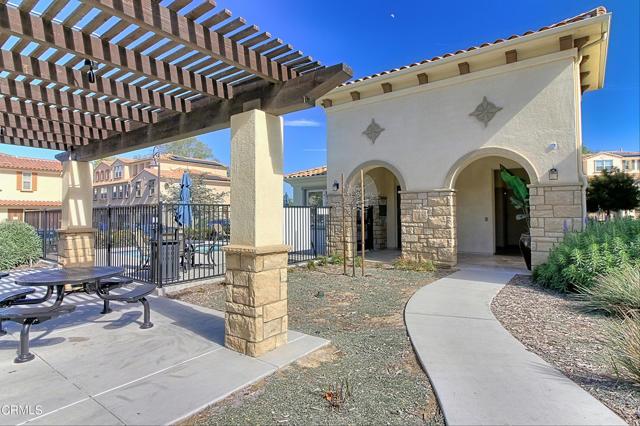 437 Castiano Street, Camarillo CA: http://media.crmls.org/mediaz/2E40A81F-F979-4717-AC52-B3503F9599DD.jpg