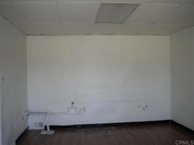 271 73 Quintard Street, Chula Vista CA: http://media.crmls.org/mediaz/2E67A794-65EB-4D4D-9A5E-41722C6754B0.jpg
