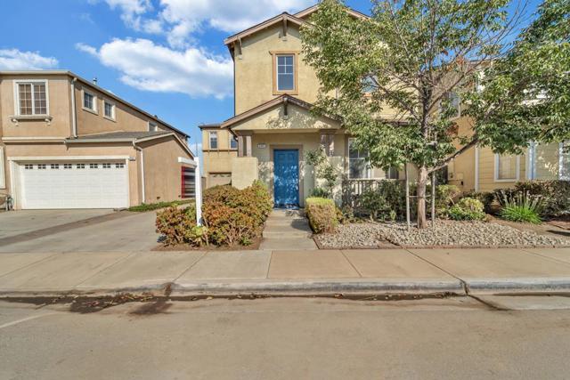 395 Barolo Circle, Greenfield CA: http://media.crmls.org/mediaz/2EB08D1D-2BA7-4A19-A5AD-76E565A65596.jpg