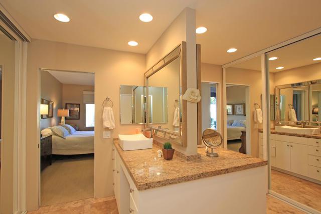 743 Inverness Drive, Rancho Mirage CA: http://media.crmls.org/mediaz/2EE8BC5C-04DB-4798-985E-03061FC02CE4.jpg