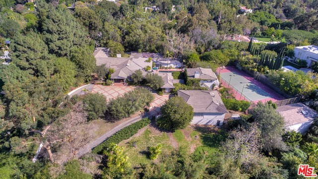 Single Family Home for Sale at 10281 Charing Cross Road Los Angeles, California 90024 United States