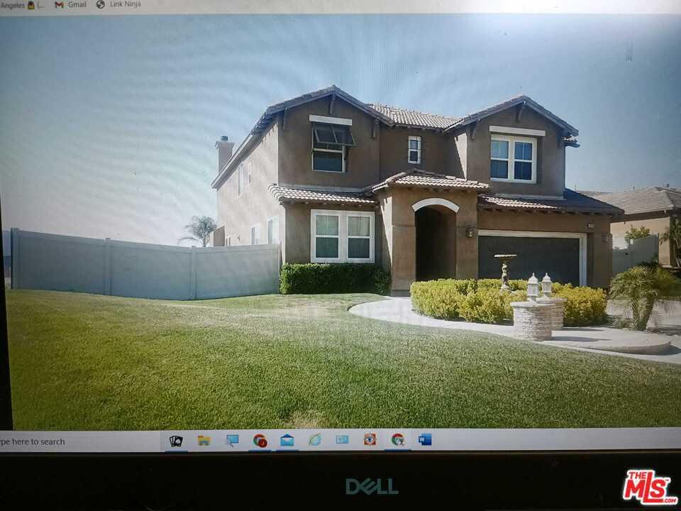 16190 Vista Point Lane #  Canyon Country CA 91387