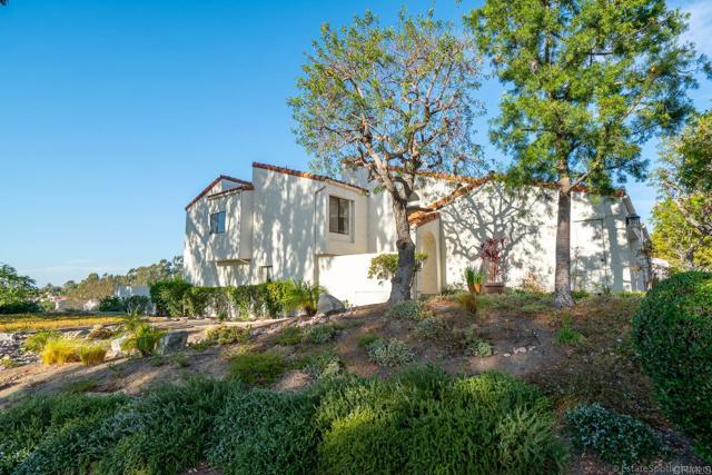 4808 Ocana Place, San Diego CA: http://media.crmls.org/mediaz/2F4EE023-66B7-4684-A5B1-BB782A9C14D7.jpg
