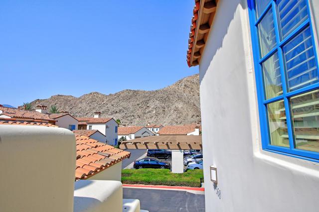 48568 Legacy, La Quinta CA: http://media.crmls.org/mediaz/2FA2AA32-C75E-4139-A66B-B8E1F966F464.jpg