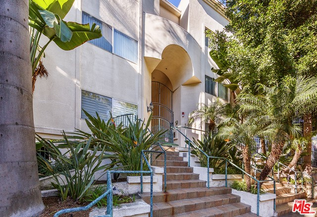 Condominium for Rent at 3645 Cardiff Avenue Los Angeles, California 90034 United States
