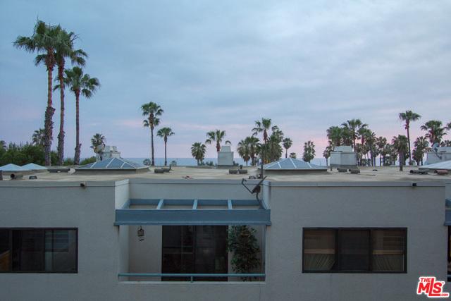 130 Ocean Park Boulevard, Santa Monica CA: http://media.crmls.org/mediaz/2FF7A4E0-3FDA-439B-B7CA-E457625BF065.jpg