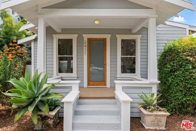 2431 Walnut Ave, Venice, CA 90291