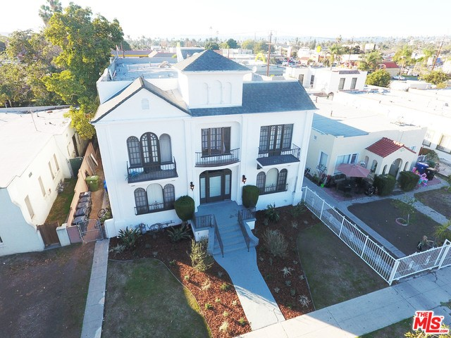 Single Family for Sale at 2837 Bronson Avenue S Los Angeles, California 90018 United States