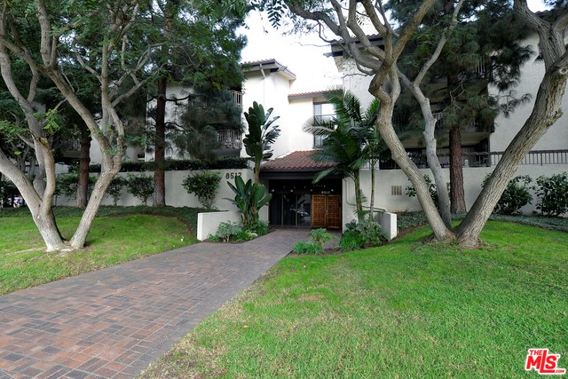 8512 TUSCANY Avenue 203 Playa del Rey, CA 90293 is listed for sale as MLS Listing 16185830