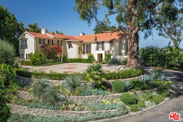 Photo of 870 S SAN RAFAEL Avenue, Pasadena, CA 91105