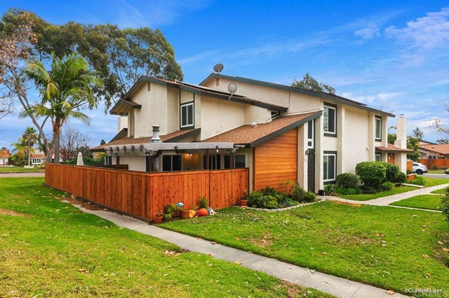 Detail Gallery Image 1 of 22 For 2036 Shadytree Ln, Encinitas,  CA 92024 - 3 Beds | 2 Baths