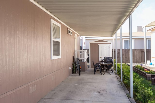 1220 Tasman Drive, Sunnyvale CA: http://media.crmls.org/mediaz/312A5C3C-5014-43FC-9CB4-B15BCD0EF4E2.jpg