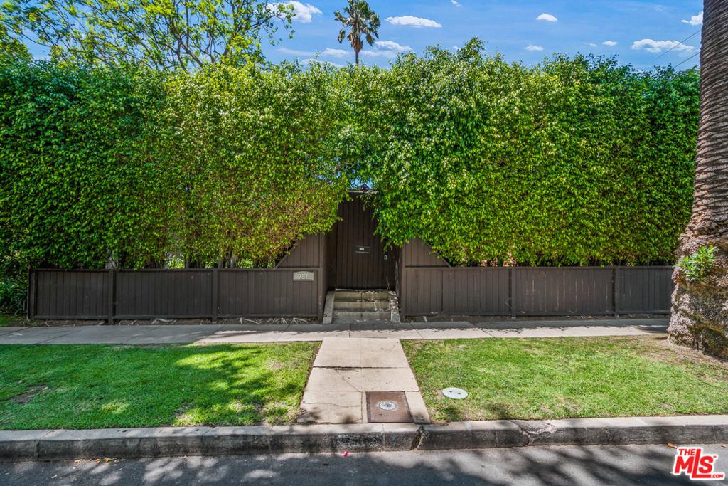 751 N Genesee Avenue #  Los Angeles CA 90046