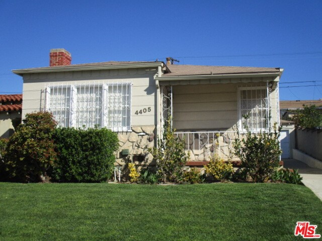 Single Family Home for Sale at 4405 59th Street W Los Angeles, California 90043 United States