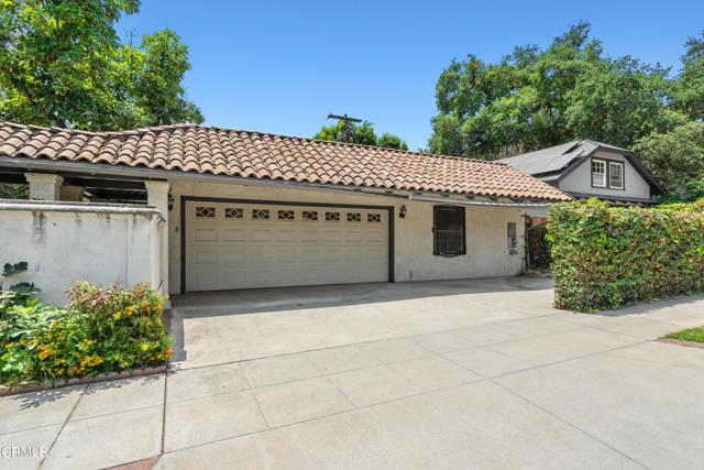 695 Lakewood Place, Pasadena CA: http://media.crmls.org/mediaz/3163C619-4EFF-4E0D-A217-BED10158DD7C.jpg
