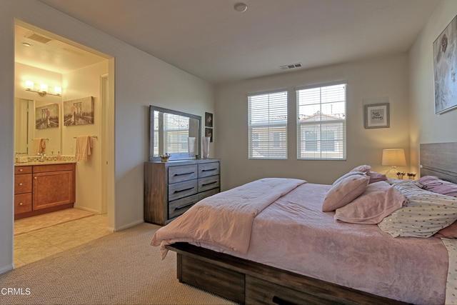 437 Castiano Street, Camarillo CA: http://media.crmls.org/mediaz/31788E8F-FE72-4FA8-B2D8-9B98822CE654.jpg