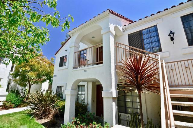 13315 Caminito Ciera, San Diego CA: http://media.crmls.org/mediaz/32179B12-46DB-41AC-9374-DA81CC211BA4.jpg