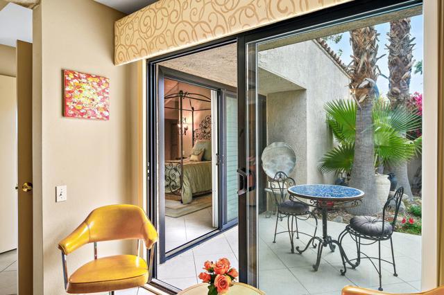 369 Wimbledon Drive, Rancho Mirage CA: http://media.crmls.org/mediaz/32DA9E95-D7E7-446D-BB9C-32B7EF402F05.jpg