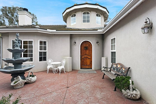 Detail Gallery Image 1 of 27 For 736 Suzanne Ln, Escondido,  CA 92026 - 4 Beds | 2 Baths