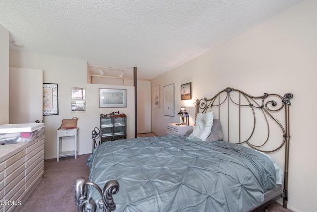 501 Holly Avenue, Oxnard CA: http://media.crmls.org/mediaz/32E6BE82-FC12-464D-810C-04D848902587.jpg