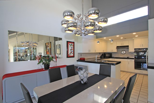 34800 Mission Hills Drive, Rancho Mirage CA: http://media.crmls.org/mediaz/32F124E7-B2CB-463E-A94F-C7ACBD9BD2B6.jpg