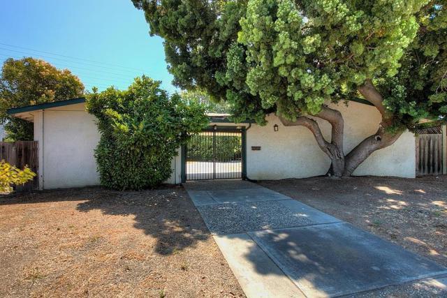 536 Hawthorn Avenue, Sunnyvale CA: http://media.crmls.org/mediaz/332B9F72-82DD-4534-B02B-531084C56391.jpg