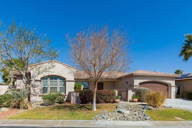 120 Brenna Lane, Palm Desert CA: http://media.crmls.org/mediaz/333DEFD0-F59D-4472-9F0F-8F474A740372.jpg