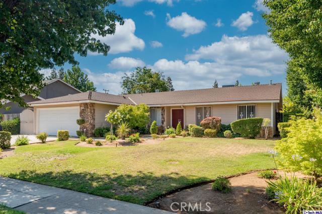 549 W Fremont Avenue, Fresno CA: http://media.crmls.org/mediaz/338E45CB-6112-4AEF-8807-DAAD7C0921F0.jpg
