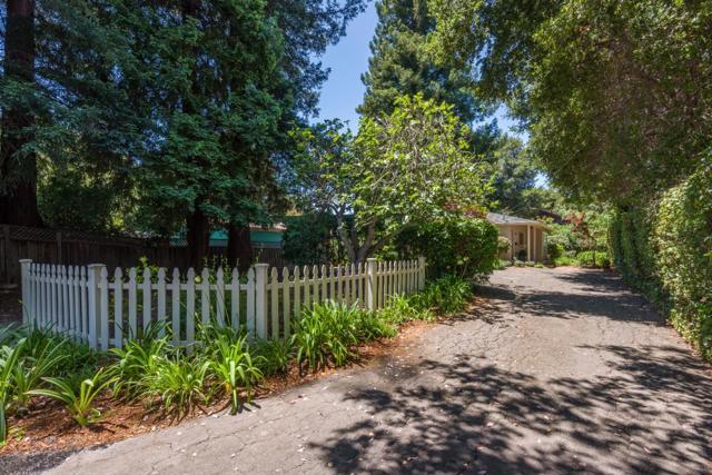437439 Pope Street, Menlo Park CA: http://media.crmls.org/mediaz/338FDC73-AD2A-45EF-BB2C-E5749DBE9A76.jpg