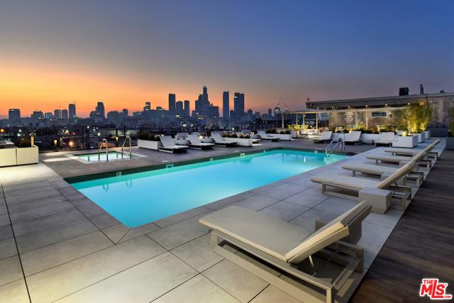 530 S HEWITT Street, Los Angeles CA: http://media.crmls.org/mediaz/33BF82F5-2AC0-4D66-8506-724FD6E5637E.jpg