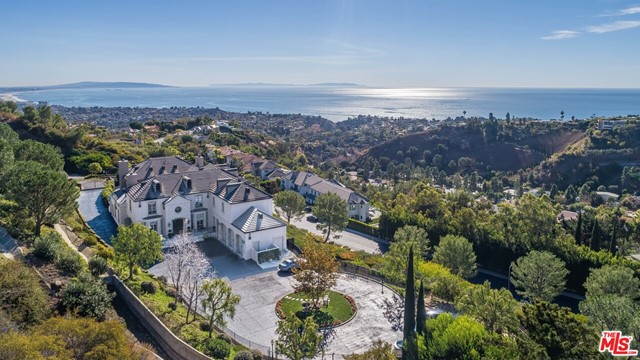 Photo of 16375 Shadow Mountain Drive, Pacific Palisades, CA 90272