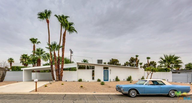 688 E Spencer Drive, Palm Springs CA: http://media.crmls.org/mediaz/349DF188-D2AB-48BF-9CD8-6A781CA78AE8.jpg