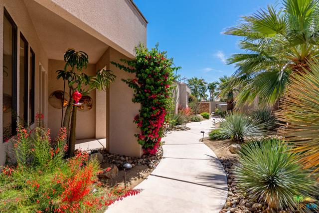 15 Birkdale Circle, Rancho Mirage CA: http://media.crmls.org/mediaz/34B35AA8-F1FF-476D-863B-118792DC6F8B.jpg
