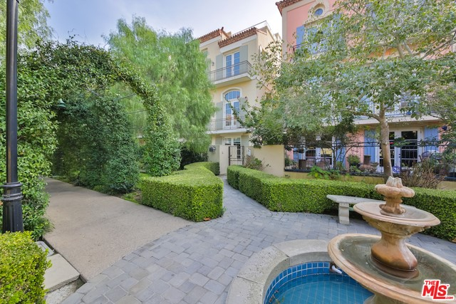 Single Family Home for Sale at 138 Westwind Mall Marina Del Rey, California 90292 United States