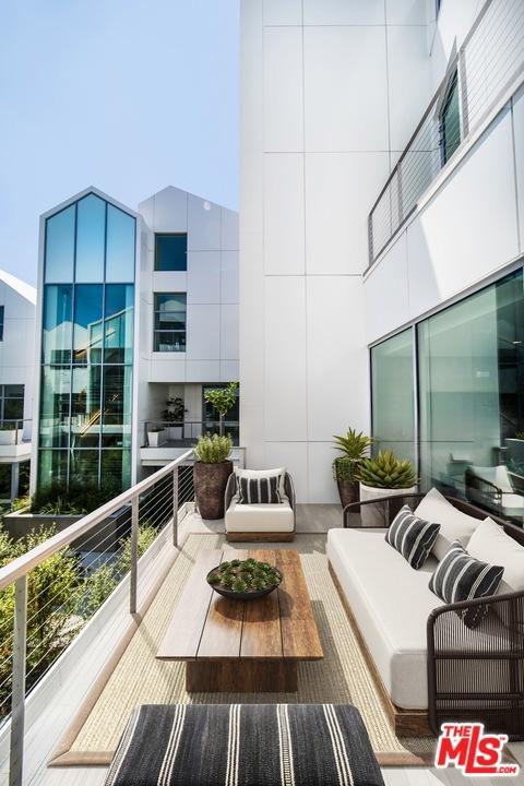 8600 Wilshire Boulevard Garden 12  Beverly Hills CA 90211