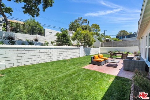 13107 Rose Ave, Los Angeles, CA 90066 photo 28