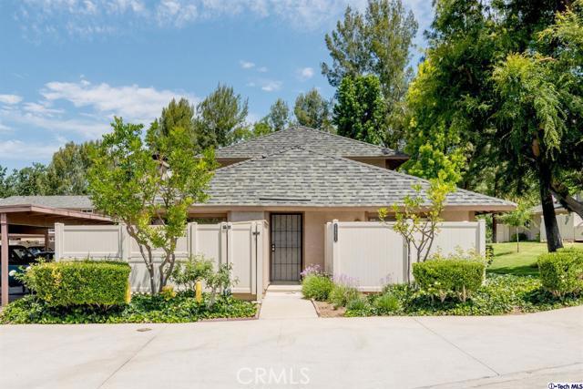28801 Conejo View Drive, Agoura Hills CA: http://media.crmls.org/mediaz/352220C5-1429-4A8F-9465-7B6F924EC4D7.jpg