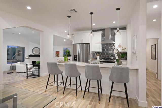 5043 Ramsdell Avenue, La Crescenta CA: http://media.crmls.org/mediaz/35381454-5782-4BA5-99E1-5DCC4AB9235C.jpg