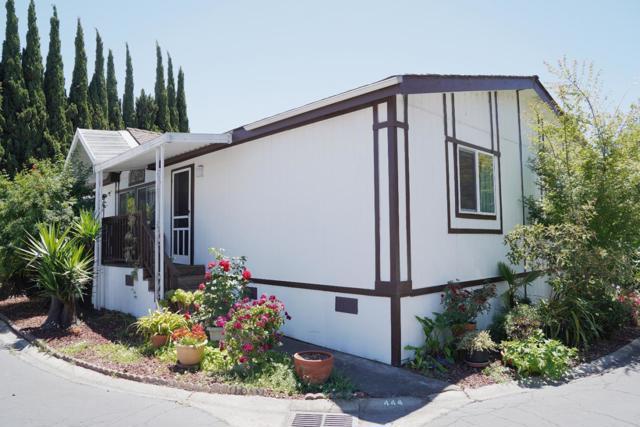 444 Shorewood Lane, San Jose CA: http://media.crmls.org/mediaz/356506FC-47BE-4792-BEA7-AE253F0CE931.jpg