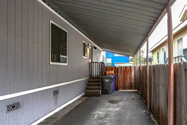 23 Freeway Lane, Oceanside CA: http://media.crmls.org/mediaz/357CFB6C-FE72-4587-9F3A-50A0BFDDBFCF.jpg