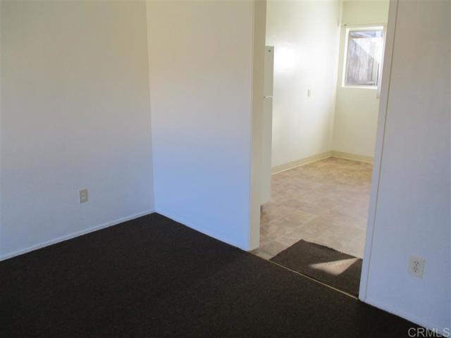 271 73 Quintard Street, Chula Vista CA: http://media.crmls.org/mediaz/35B17194-E4AF-4F30-97D5-0A3E6BEEF21E.jpg