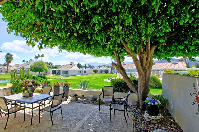 34800 Mission Hills Drive, Rancho Mirage CA: http://media.crmls.org/mediaz/35EB443C-6F23-48AE-9303-D4E56A71BB08.jpg