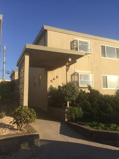 465 Esplanade Avenue, Pacifica CA: http://media.crmls.org/mediaz/35EBAA78-F770-4CF7-B127-4CEBD9D1F677.jpg