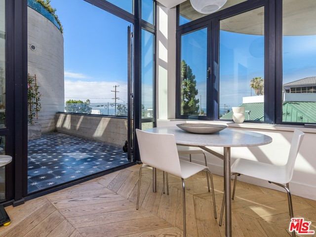 Photo of 17351 W SUNSET #2A, Pacific Palisades, CA 90272