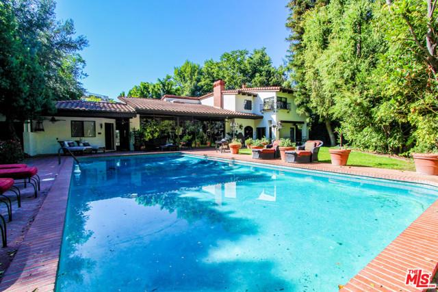 Photo of 14527 Valley Vista Boulevard, Sherman Oaks, CA 91403