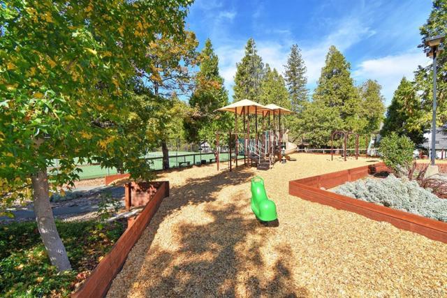 398 Snowberry Court, Murphys CA: http://media.crmls.org/mediaz/36165F33-CF44-4EAC-B564-ABF3FBD14995.jpg