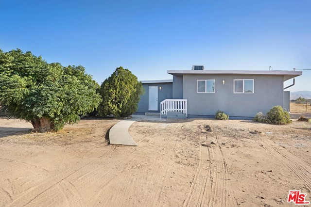 22061 Pahute Road Apple Valley CA 92308