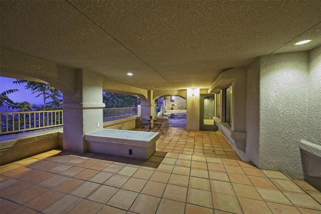 8585 Great House, Yucca Valley CA: http://media.crmls.org/mediaz/367DDAF4-A93F-4ECE-B2FF-98CE9122009D.jpg