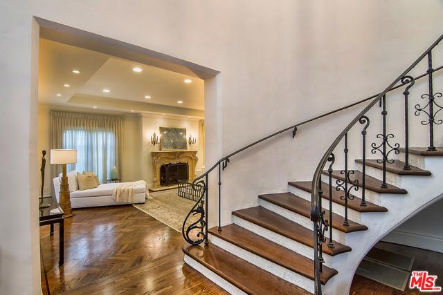 175 N MCCADDEN Place, Los Angeles CA: http://media.crmls.org/mediaz/36E13911-39F1-4800-892D-83344C667105.jpg
